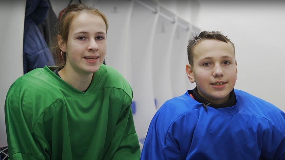 Лед + холод = здоровье: видеоистория следж-хоккеистов Влада и Вероники
