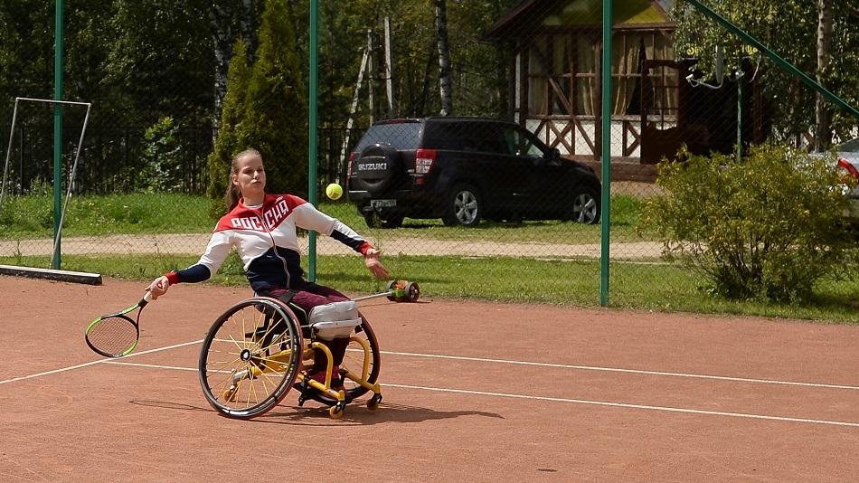 Ракетка, мяч, коляска: поговорим о теннисе для людей с инвалидностью
