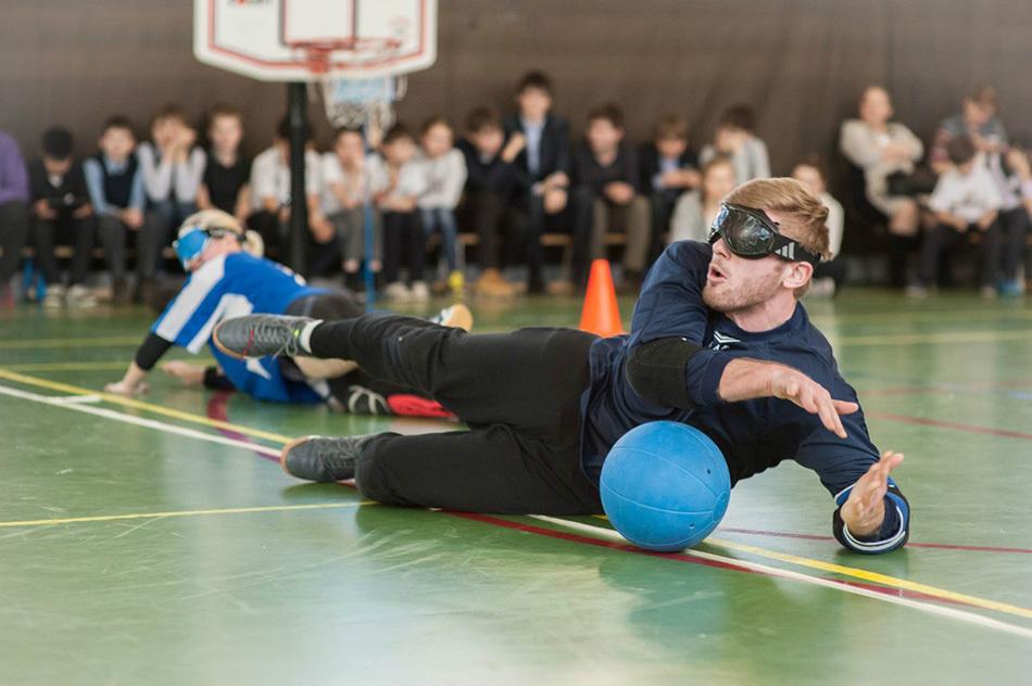 Как включить незрячих детей в занятия физкультурой?