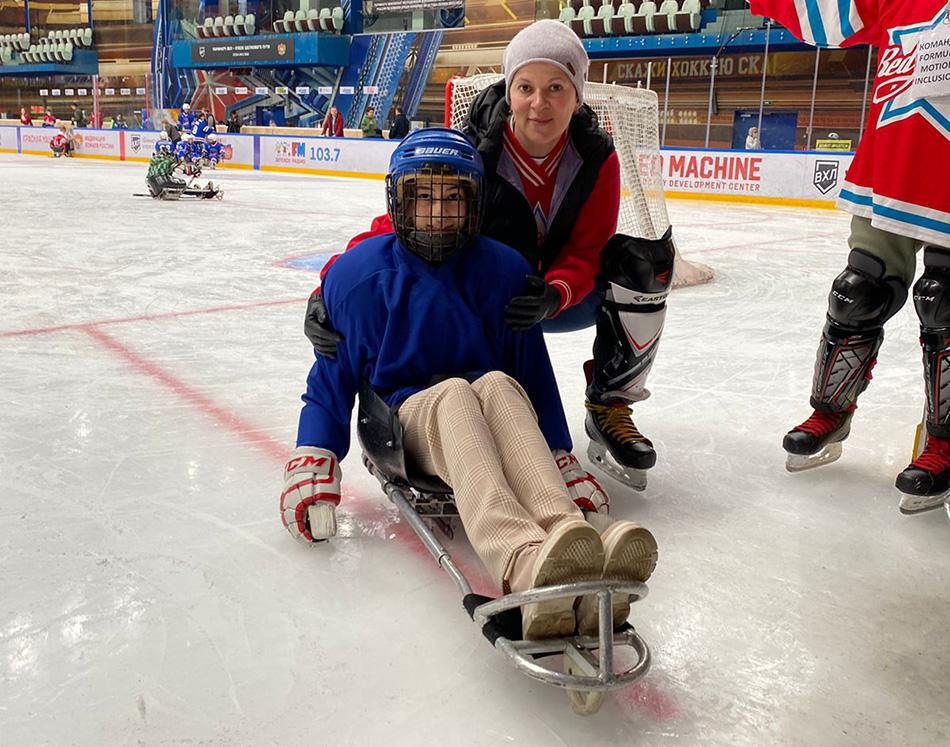 Один день из фестиваля, посвященный следж-хоккею для людей с ПОДА